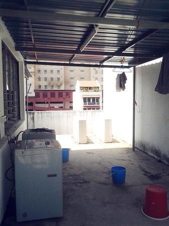 Rangoon House Hostel: Laundry Area