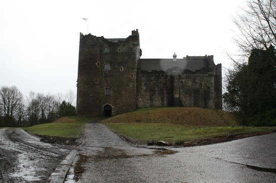 Doune Castle: Walking up