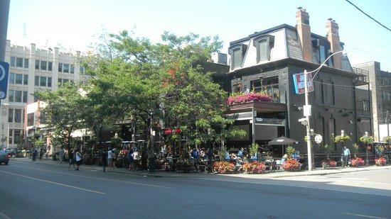 Super 8 Downtown Toronto : Calle de Toronto