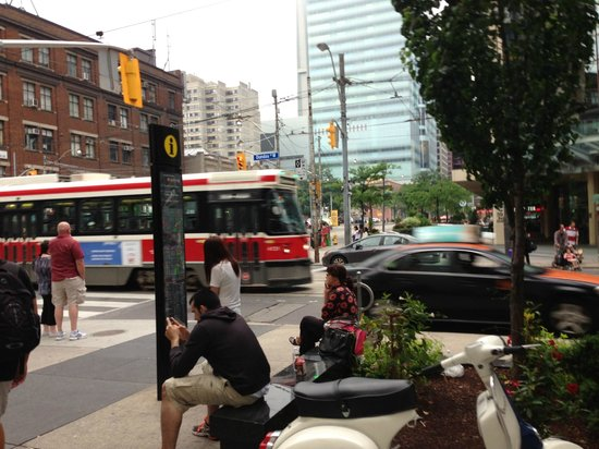 Super 8 Downtown Toronto : calles
