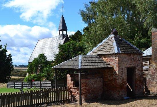 Brickendon Colonial Farm Village : Buildings on Brickendon with Victorian Chapel in background