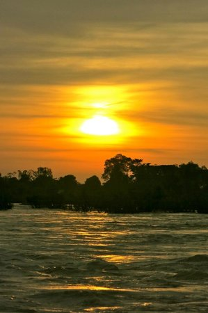 Mr. Phao's Riverview Guesthouse: Sunset on the tour