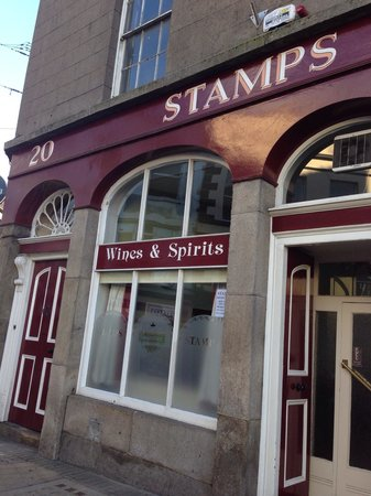 Stamp's Pub: Shop front