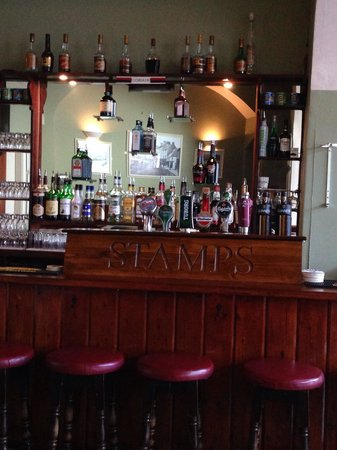 Stamp's Pub: Bar Counter