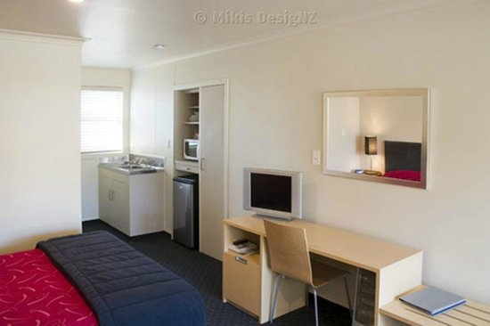Amble Inn Motel : Luggage and workstations in all rooms