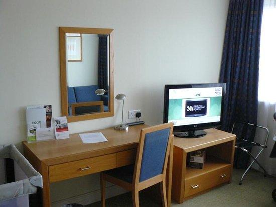 Holiday Inn London-Gatwick Airport : Room #4