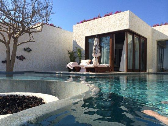 Las Ventanas al Paraiso, A Rosewood Resort: luxury beachfront villa! view of master bedroom