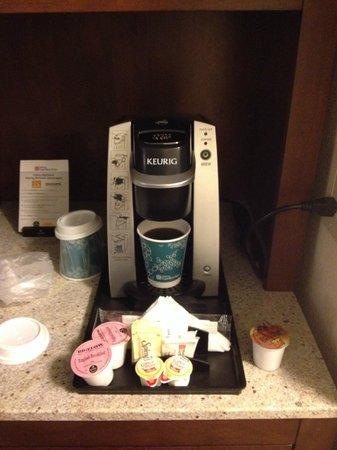 Hilton Garden Inn Atlanta Midtown: Coffee Machine