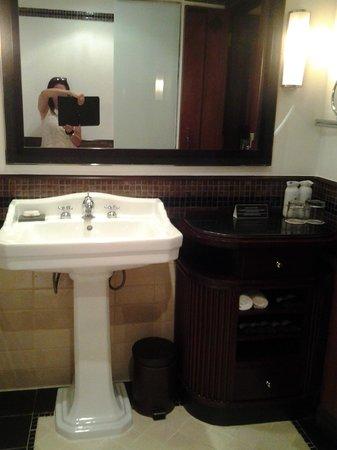 La Residence Hue Hotel & Spa - MGallery by Sofitel : baño