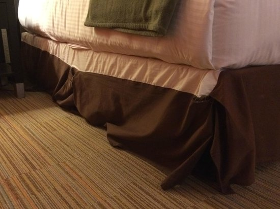 The Clarendon Hotel and Spa : Messy bedding!