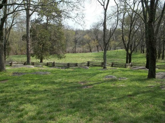 Stones River National Battlefield: View to the river