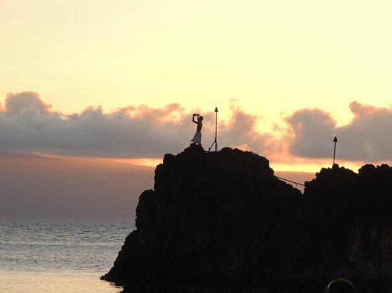 Sheraton Maui Resort & Spa : Sunset Cliff Dive