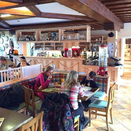 Traunstein Gasthaus: Вид на трапезную