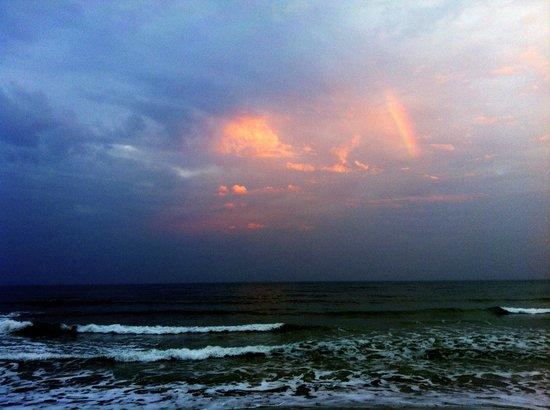 Chaweng Noi Résidence : Coucher de soleil sur la plage