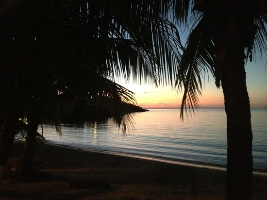 Villa Delfin Roatan : Another West End Sunset - they are all amazing!