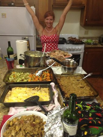 Villa Delfin Roatan : A Thanksgiving Feast in the main house with Carleen as hostess