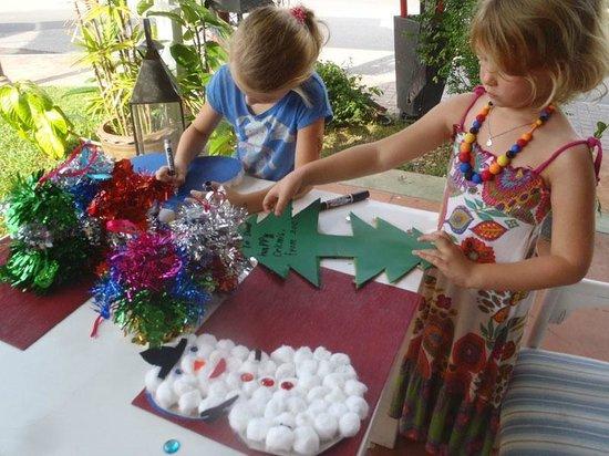 Oasis ed. Phuket: great kids activity, making Christmas Cards at Boat Lagoon