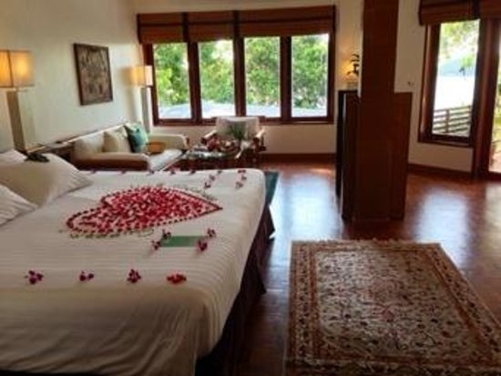 Mom Tri's Villa Royale: beautiful room! ocean villa