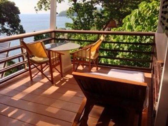Mom Tri's Villa Royale: patio from our ocean villa room