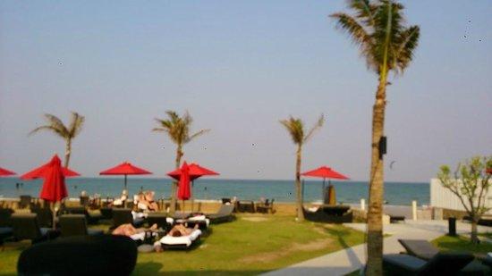Amari Hua Hin: the beach