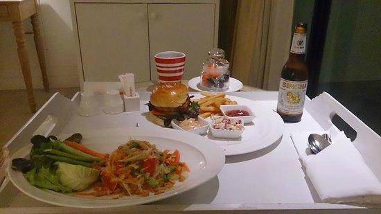 Amari Hua Hin: Good food options