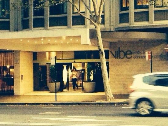 Vibe Hotel Sydney: Acceso principal
