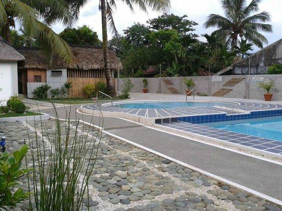Bariw Mountain Resort: pool