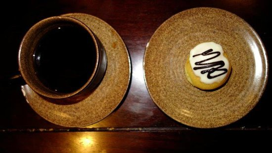 Hanoi Boutique Hotel & Spa: Excellent coffee with cookie