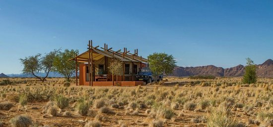 Desert Camp: Luxury camp living.