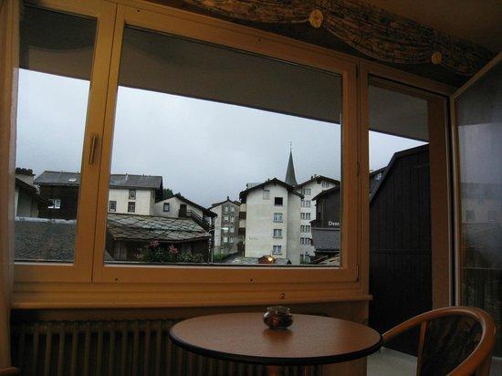 Hotel Excelsior : 部屋の中からの眺め