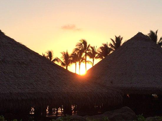 Humuhumunukunukuapua'a: Sunset at Humuhumu...