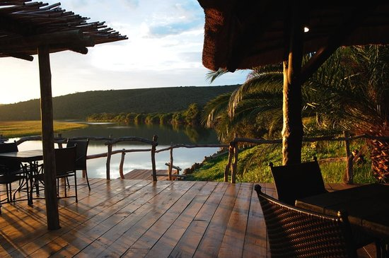 Kariega Game Reserve - River Lodge: View onto the Bushman's River from main deck
