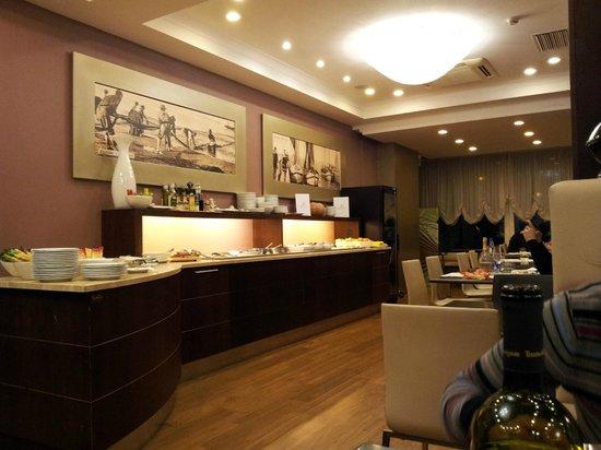 Hotel Select Suites & Spa : colazione