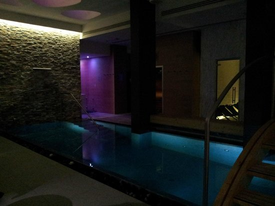 Hotel Select Suites & Spa : piscina