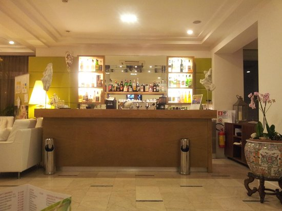Hotel Select Suites & Spa : il bar