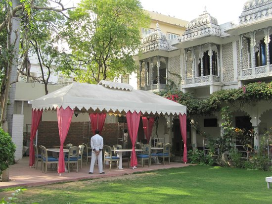 Rangniwas Palace Hotel : Breakfast place during kitchen renovation