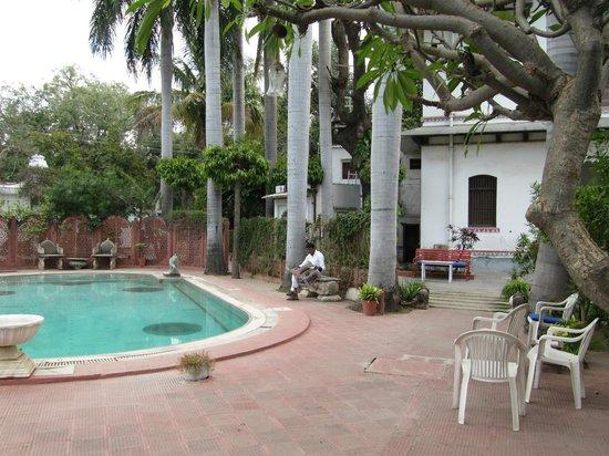 Rangniwas Palace Hotel : Swimming pool area