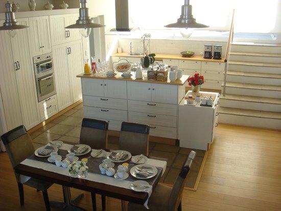 138 Marine Beachfront Guesthouse: Frühstücksraum