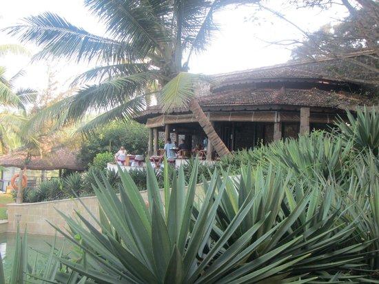 Niraamaya Retreats: restaurant