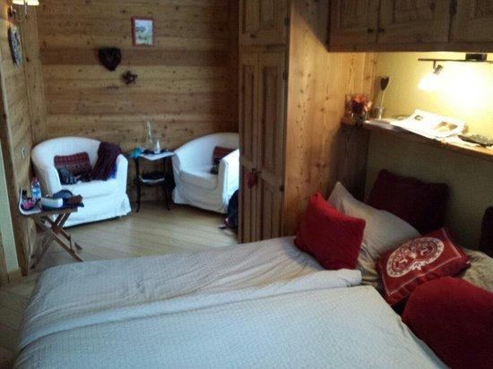 Petit Bed & Breakfast : Chambre Bordeaux