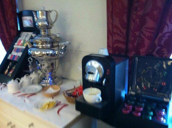 Mercure Rambouillet : machine à café et thé