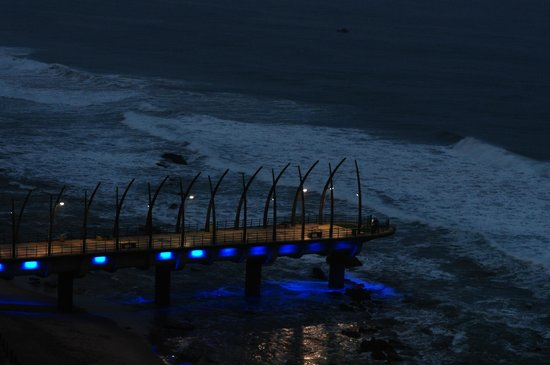 Beverly Hills : The pier at night