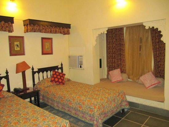 Hotel Mahendra Prakash: Bedroom 1rst floor