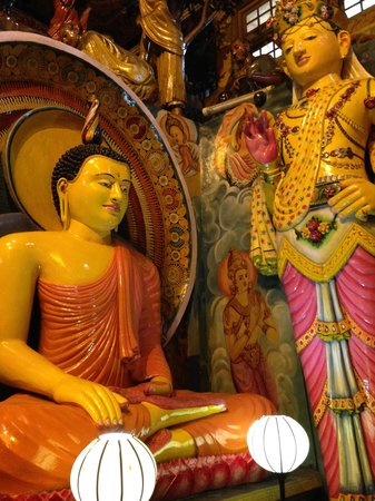 Gangaramaya-Tempel: Biddha images