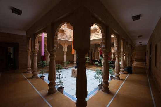 The Gulaal : Courtyard, rooms are around this