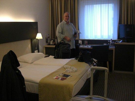 Mercure Hotel Berlin City : rommet, extra king size senger