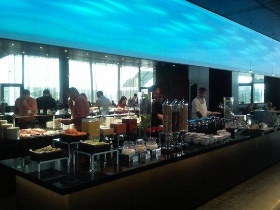 breakfast buffet bar picture of melia vienna vienna tripadvisor. Black Bedroom Furniture Sets. Home Design Ideas