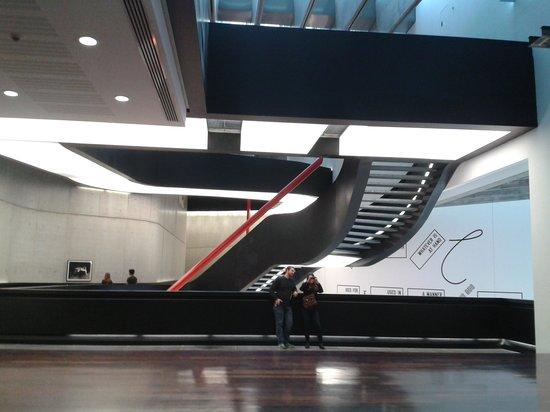 MAXXI - Museo Nazionale Delle Arti del XXI Secolo: Exterior