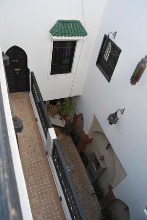Riad Shambala : Vistas del patio y habitaciones