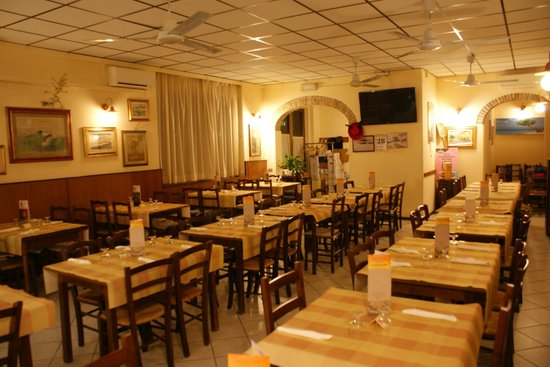 Bar Pizzeria Valeri: Sala principale